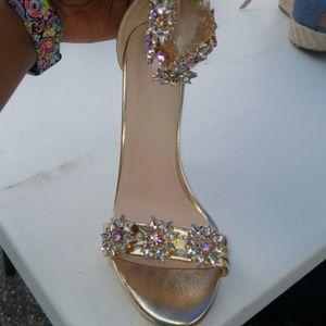 Shoes - Gold heel